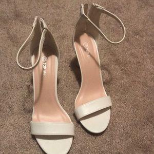 White heels size 7.5